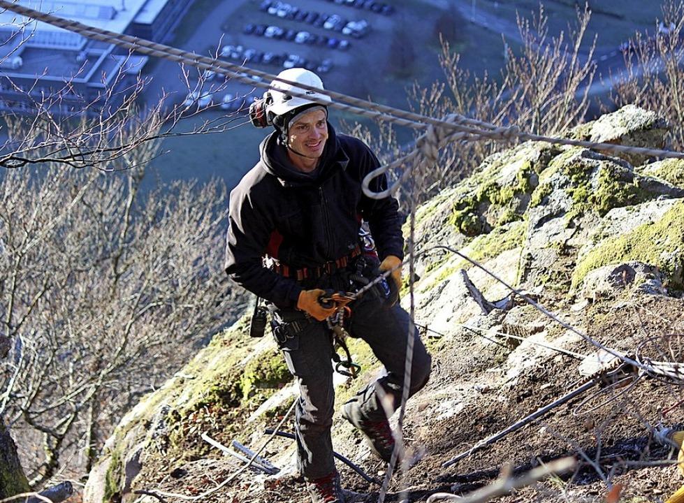 Die Sicherungsarbeiten am steilen Hang in Geschwend sind abgeschlossen.  | Foto: Martin Klabund