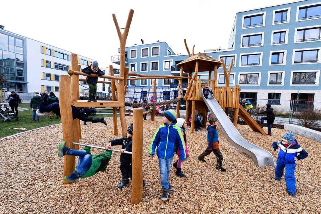 Reichlich Bewegungsangebot gibt'...neuen Spielplatz in Gutleutmatten-Ost.  | Foto: Thomas Kunz