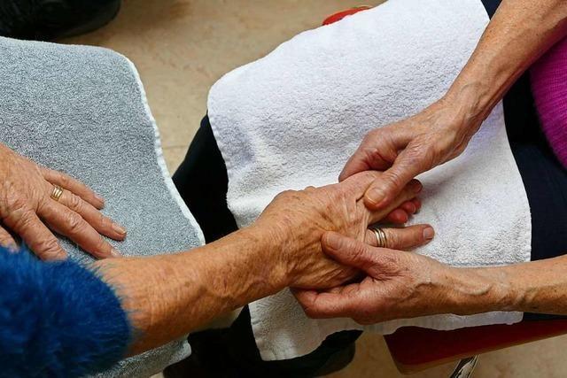 Wenn die Altenpflege-Ausbildung die letzte Chance zum Bleiben ist