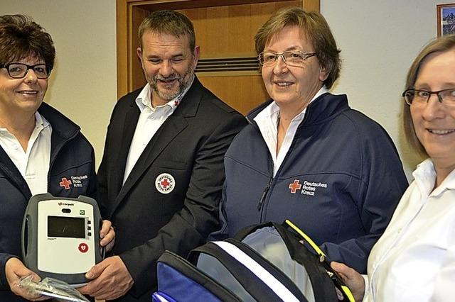 Spender finanzieren mobilen Defibrillator
