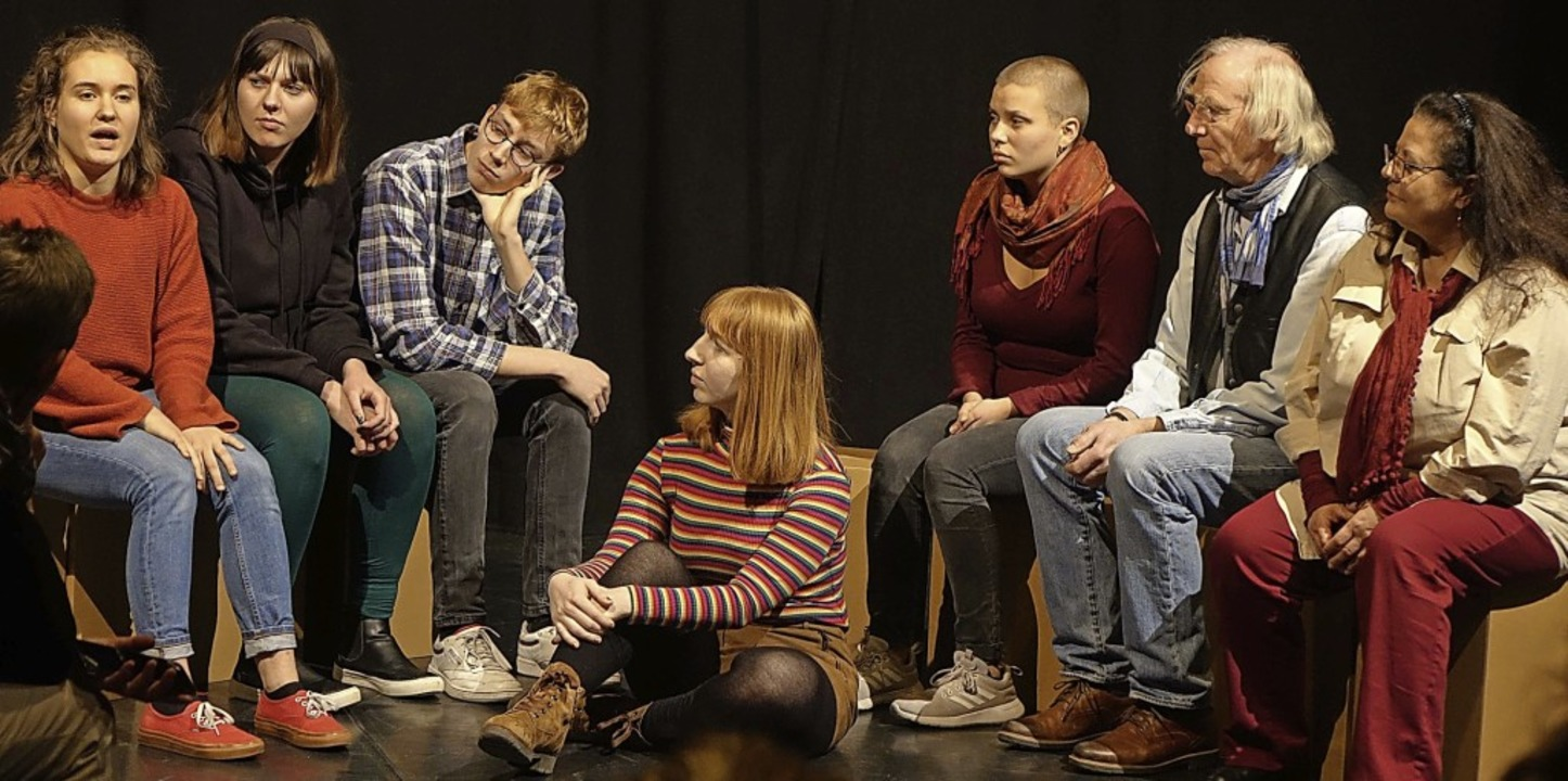 "Eine Szene aus dem ""Recherchepro...fall"" des Theaters Tempus Fugit.  | Foto: Roswitha Frey"