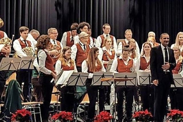 Orchester und Solisten ziehen Publikum in ihren Bann
