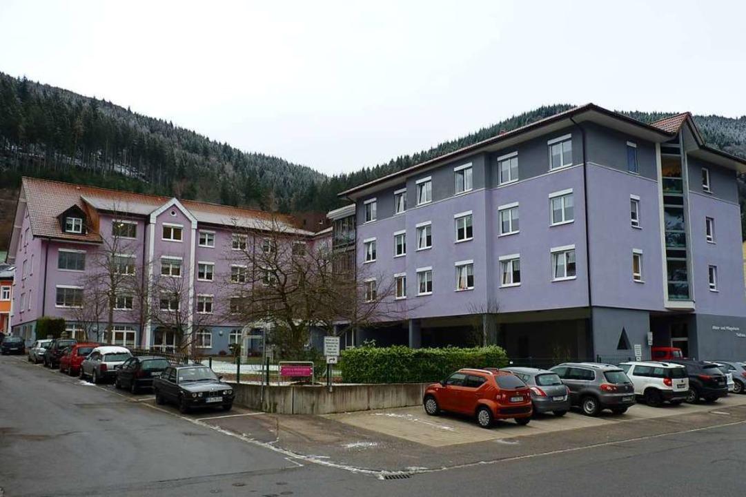 Der neue Haupteingang soll hier an die...nbau an der Südseite (rechts im Bild).    Foto: Sattelberger