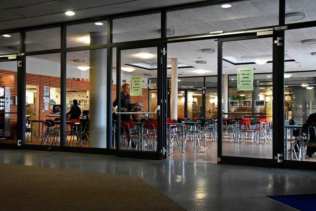 Mehrere Millionen fließen in den nächs...ie Erweiterung der dortigen Cafeteria.  | Foto: Jonas Hirt