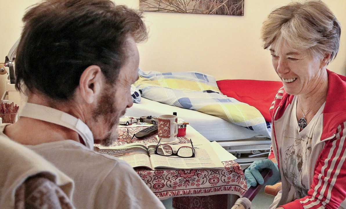 Sie verstanden sich gut: die 24-Stunde...und  Hospizbewohner Hans Mitterbacher.    Foto: Sascha Montag/Zeitenspiegel
