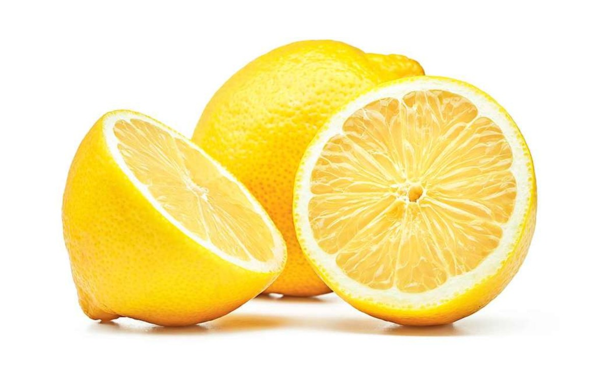 Zitronen enthalten fünf bis sieben Prozent Zitronensäure.    Foto: Pineapple studio  (stock.adobe.com)