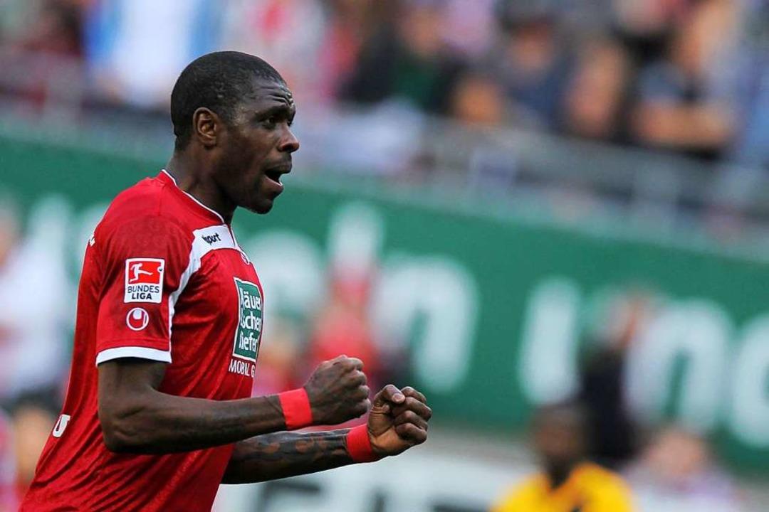 Mohamadou Idrissou 2014 beim 1. FC Kaiserslautern    Foto: Fredrik Von Erichsen