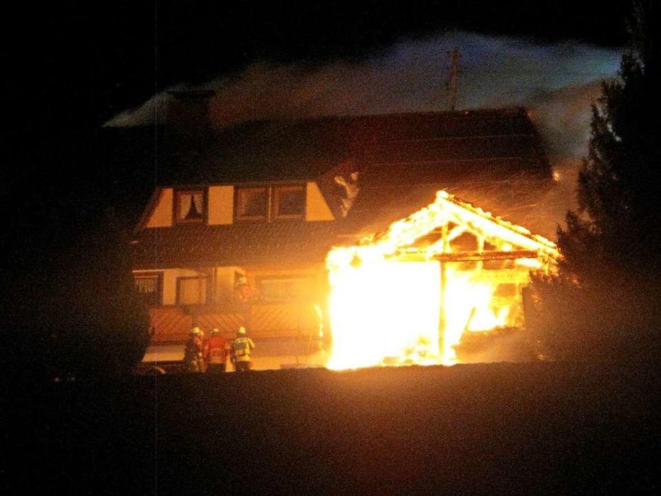 Zwei  Wohnungen eines Mietshauses im B...stagabend durch einen Brand zerstört.   | Foto: Ulrike Spiegelhalter