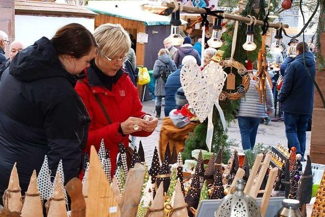 Zu Eröffnung des Brombacher Weihnachtsmarktes gab es sogar Sonnenschein