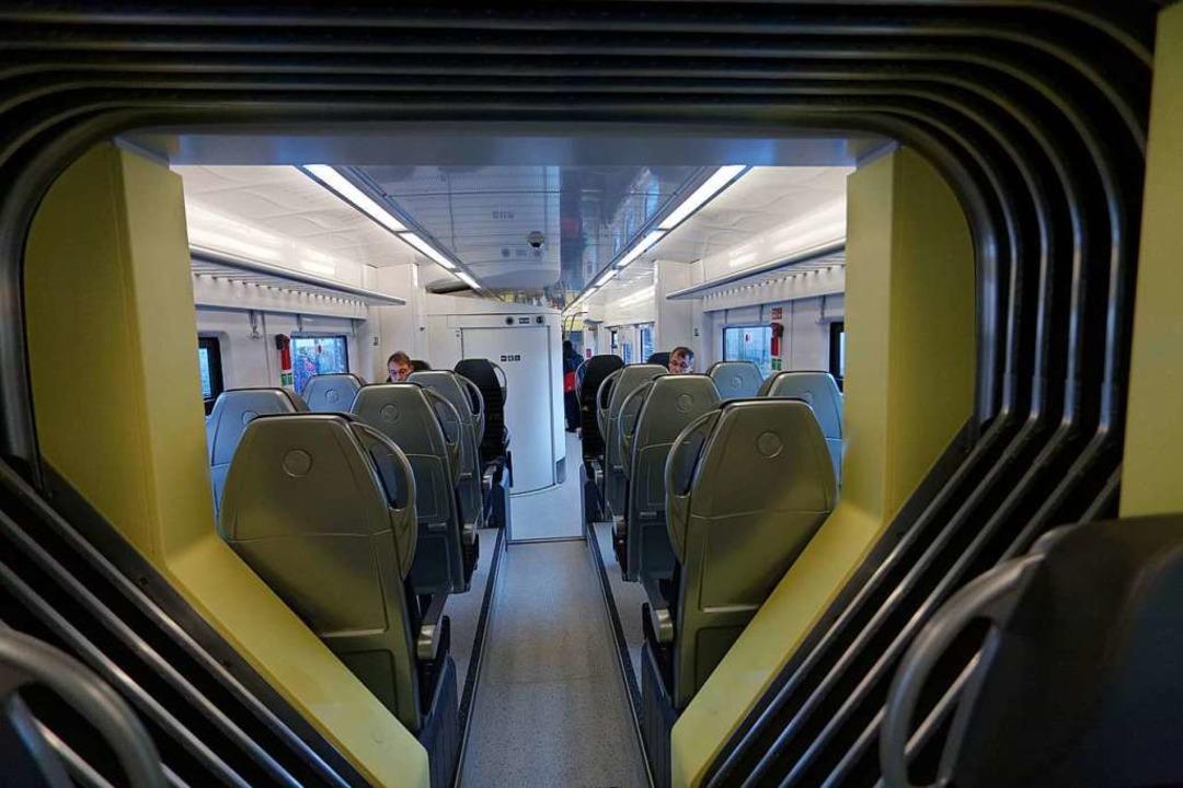 Blick ins Innere des modernen E-Triebzugs  | Foto: Martin Wendel