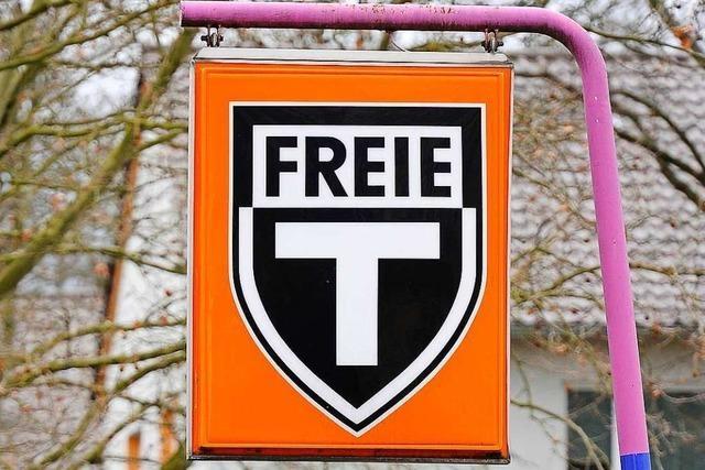 Maskierter Mann überfällt Tankstelle in Freiburg-Mooswald