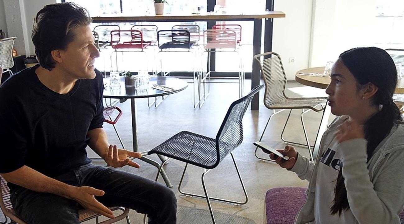 Unterhalten sich: Boris Magrini und Mara Boden   | Foto: Privat