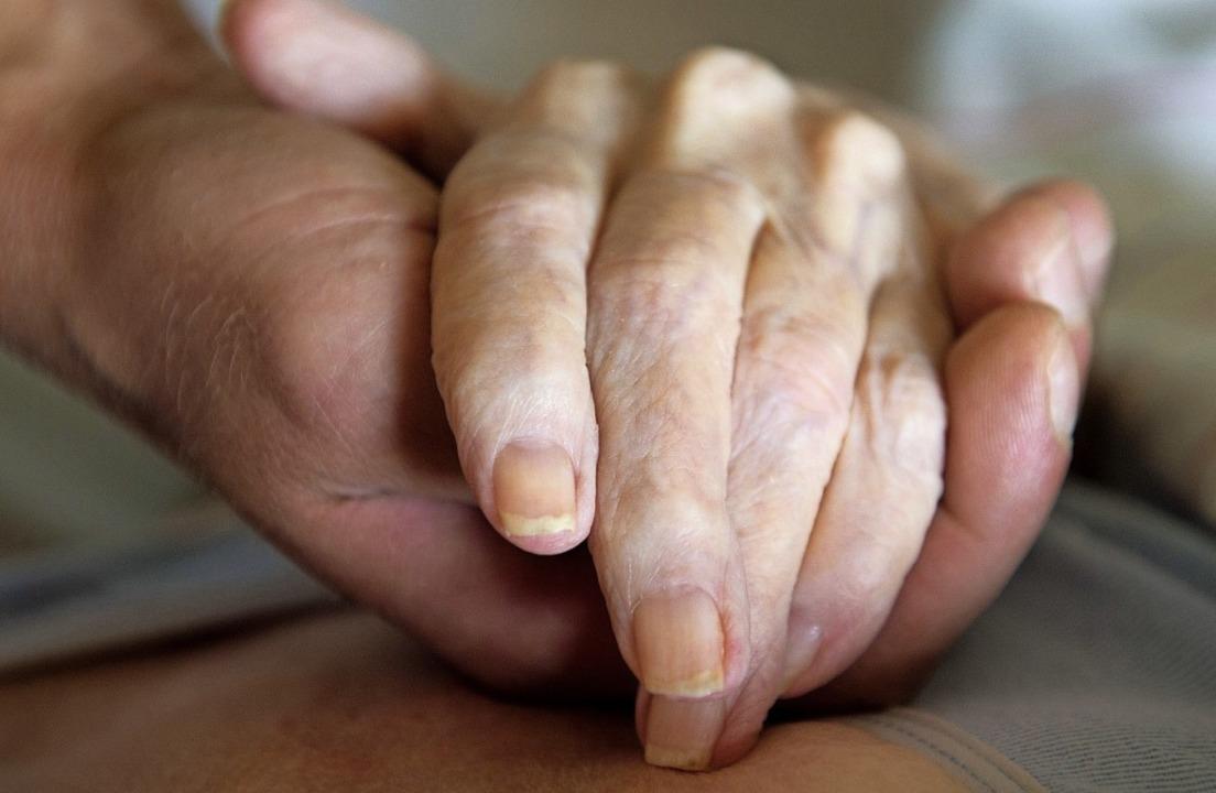 Für einen todkranken Menschen dasein – das ist Teil der Hospizarbeit.   | Foto: Sebastian Kahnert