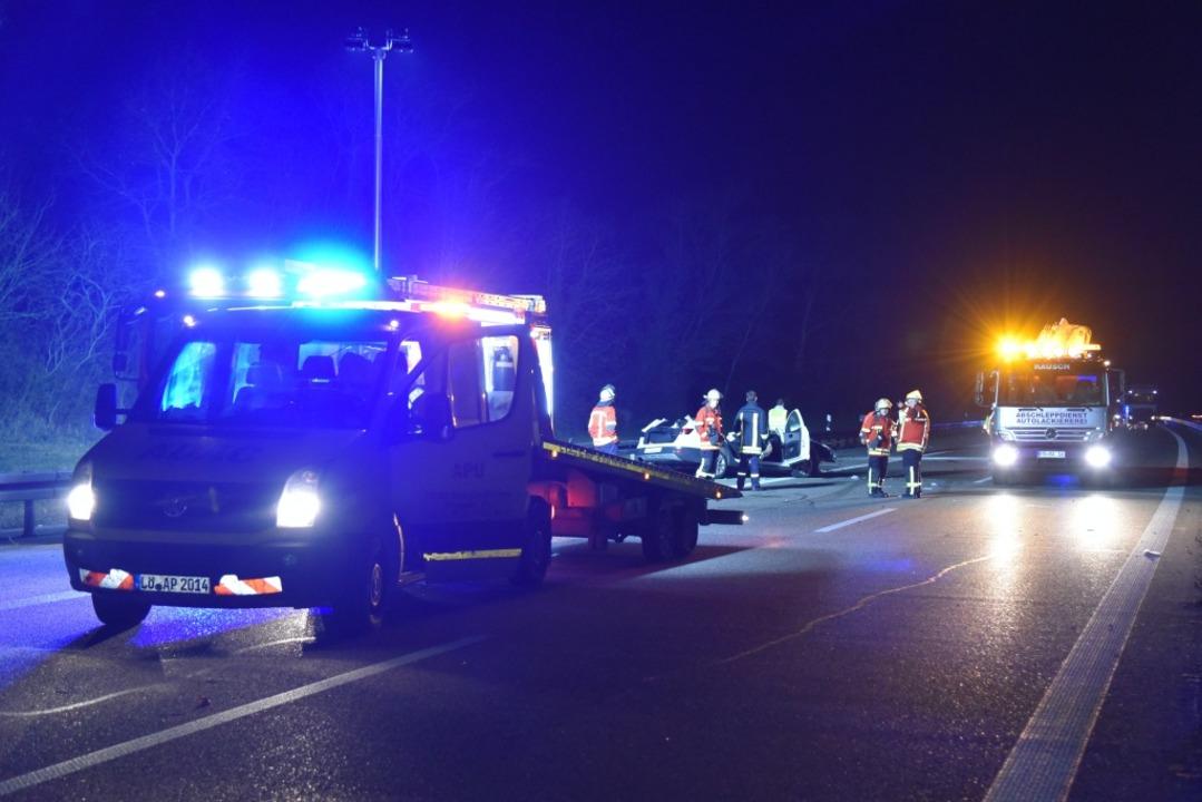 Folgenschwere Irrfahrt auf der A5: Bei...llingen wurden drei Menschen verletzt.  | Foto: Martin Eckert