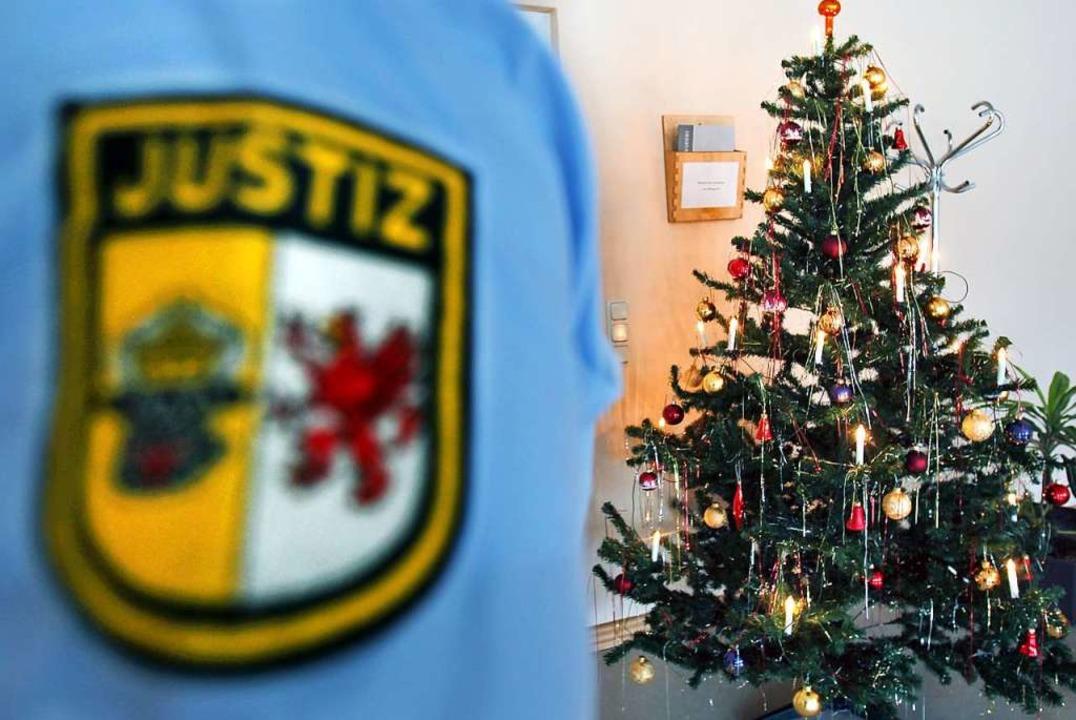 Die Polizei sucht weiterhin nach Zeugen.  | Foto: Bernd Wüstneck (dpa)