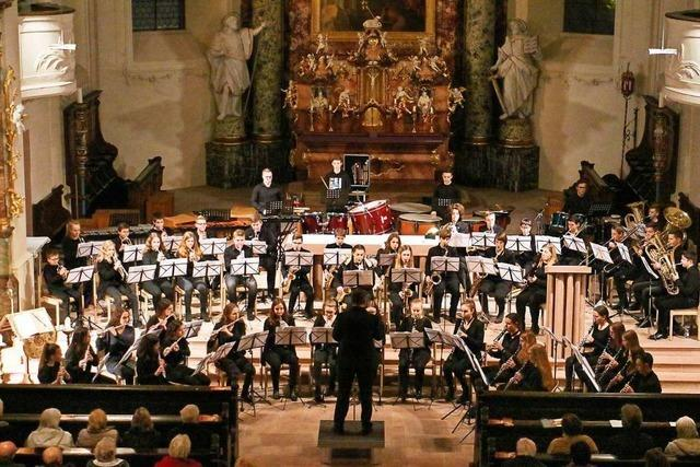 Jungmusiker und Stadtmusik-Ensembles beeindrucken bei Kirchenkonzert
