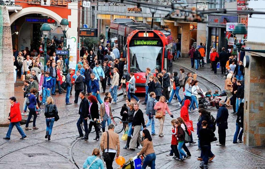 Der Freiburger Einzelhandel und seine ...n oder zwei Einkaufssonntage bekommen.  | Foto: Rita Eggstein
