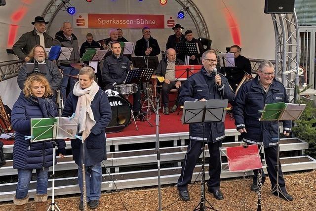 Fröhliche Polizeimusiker