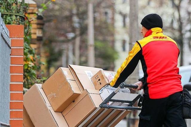 Wer Pakete verschickt, muss mehr bezahlen