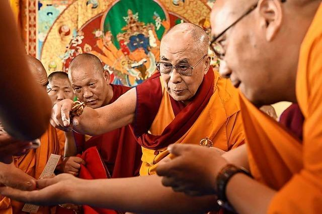 Tibeter feiern in Schweizer Rheinfelden ein großes Fest