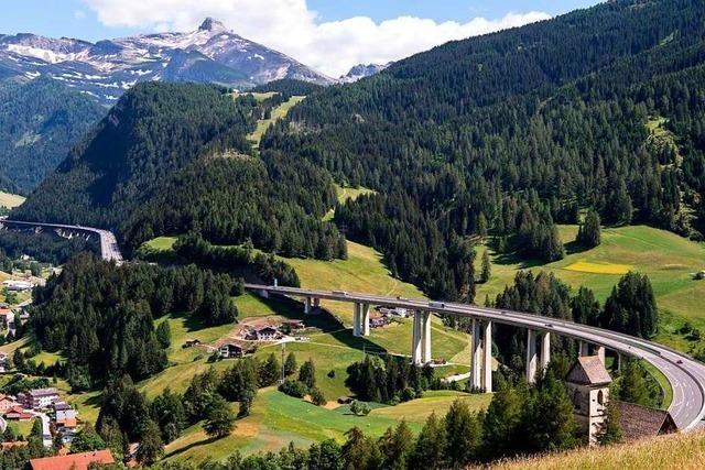 Mit Fahrverboten wehrt sich Tirol gegen die Dauerstaus am Brenner