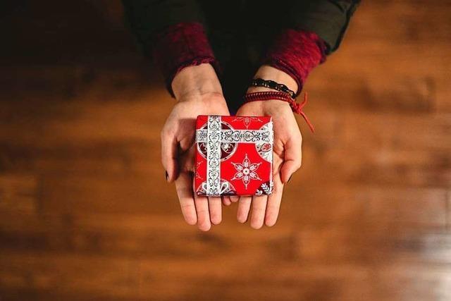 Psychologin erklärt, wie Sie Geschenk-Enttäuschungen vermeiden