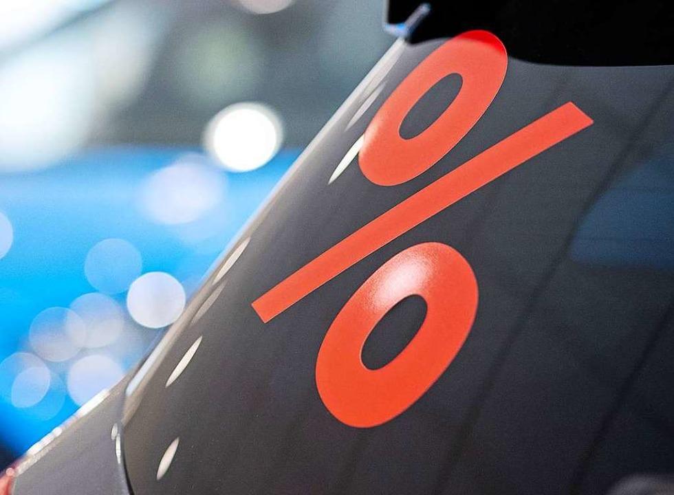 Die Autohersteller geben nicht selten hohe Rabatte beim Neuwagenkauf.  | Foto: Sebastian Gollnow