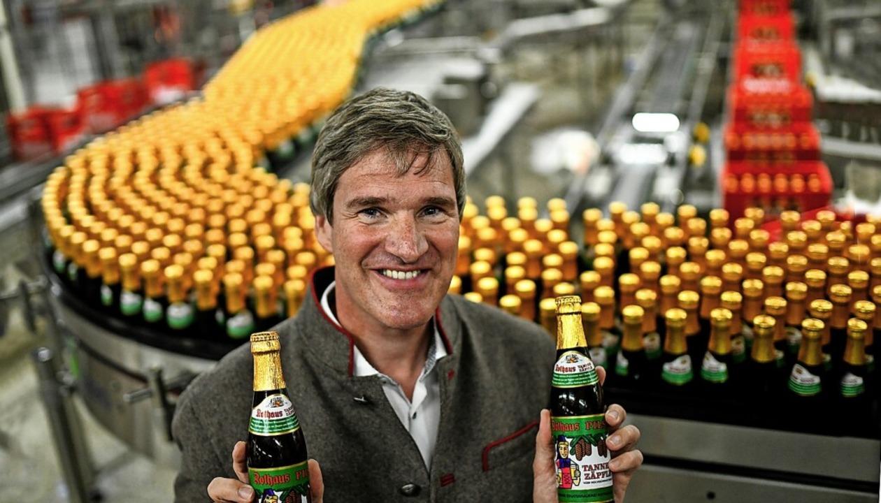 Heimat in Flaschen: Das Tannenzäpfle ist das bekannteste Produkt der Brauerei.   | Foto: Patrick Seeger