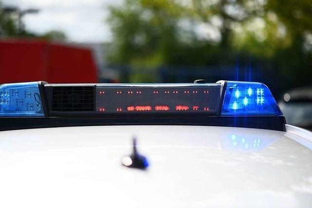 19-Jähriger wird bei Autounfall in Lörrach leicht verletzt