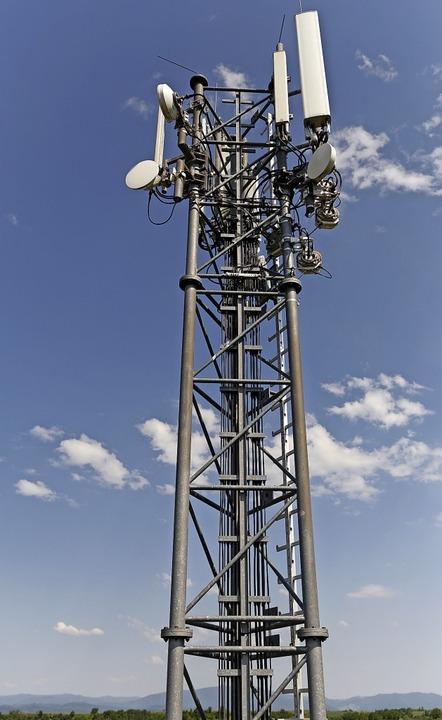 Mobilfunkmasten: Jeder nutzt sie, keiner will sie.   | Foto: Martin Wendel
