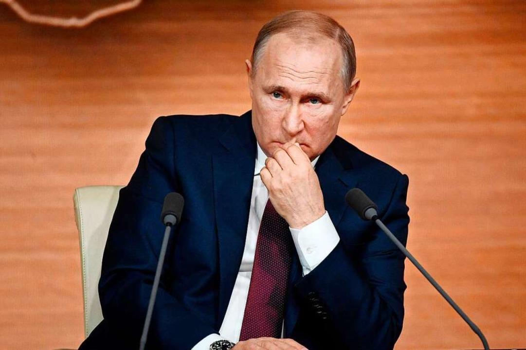 Hat es auf das stillgelegte Betzenhauser Wahrzeichen abgesehen: Vladimir Putin.  | Foto: ALEXANDER NEMENOV (AFP)