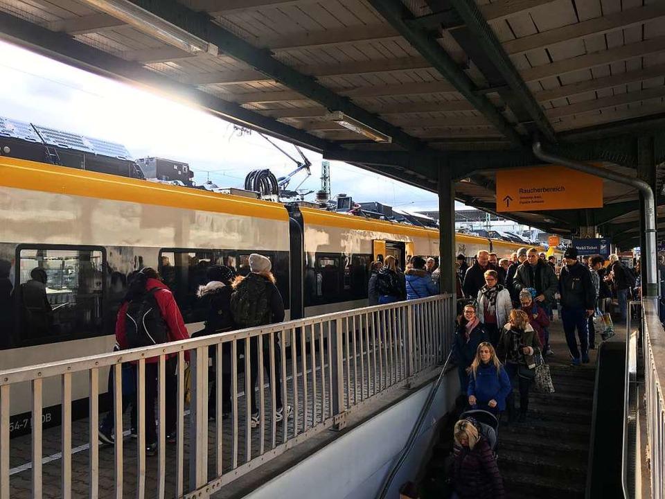 Die Breisgau-S-Bahnen kamen gut gefüllt in Freiburg an.  | Foto: Christoph Giese