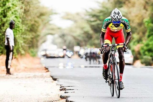 Das Freiburger Radsport-Team Embrace the World bei der Tour du Senegal