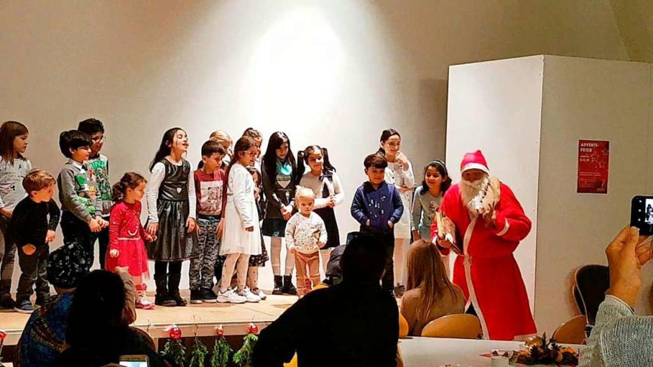 Kinder können ihren Eltern die Integra...r ein Bild von der Amiko-Adventsfeier.  | Foto: privat