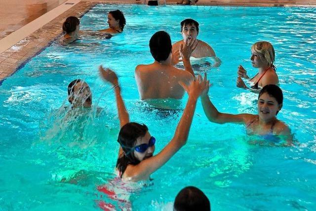 Schwimmbäder, Behörden, Nahverkehr: Von Heiligabend bis Silvester ist vieles anders