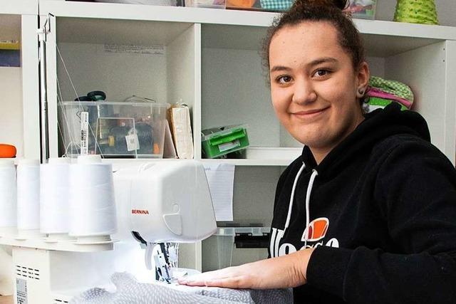 14-Jährige näht nachhaltige Taschen – für den guten Zweck