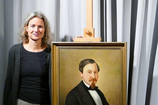 Carola Hoécker stellt ihr Buch über Marcus Pflüger in Lörrach vor