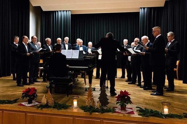 Das Publikum sang mit beim MGV Kollnau und den Virtuos Voices