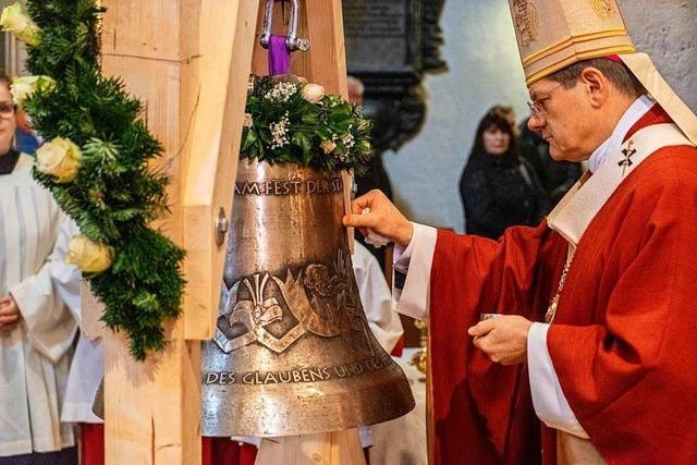 Erzbischof Burger weiht zwei neue Glocken für das Breisacher Münster