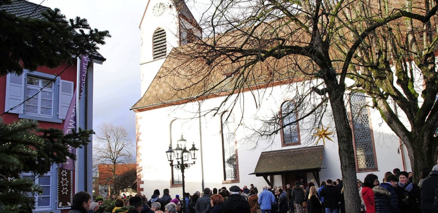 Rund 500 Menschen lauschten  auf dem L...urm der Altweiler Kirche musizierten.   | Foto: Norbert Sedlak
