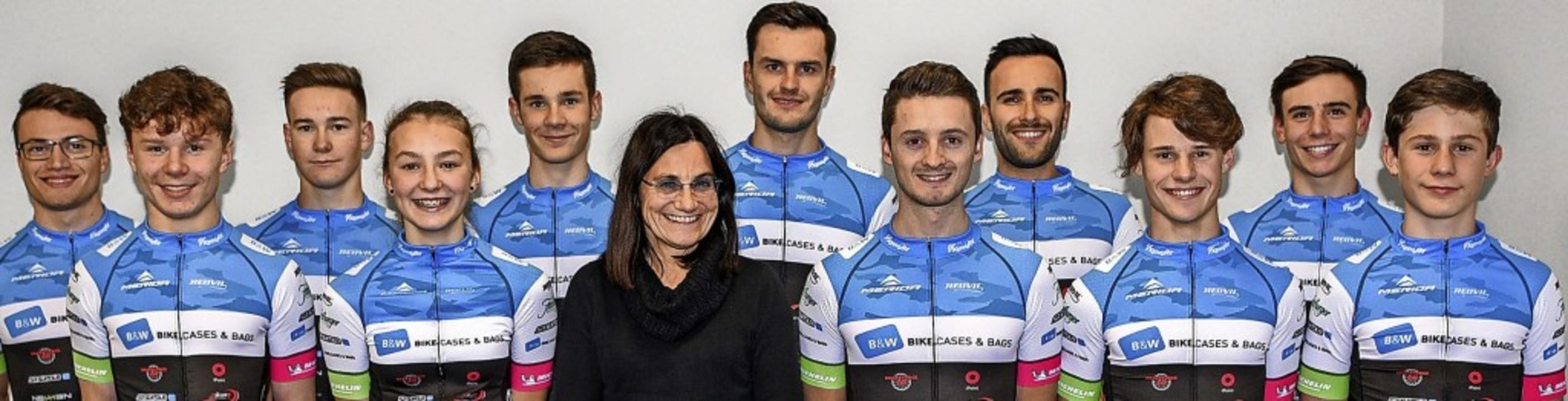 Die Breitnauer  Rennstallchefin  Andre...Mountainbike-Team in die neue Saison.   | Foto: Gutmann