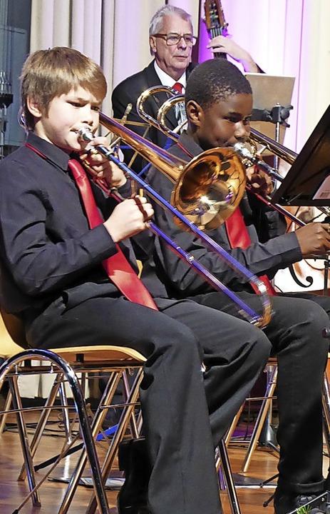 Stadtmusik verbindet: Jung und Alt musizieren gemeinsam Jugendorchester.    Foto: Sylvia-Karina Jahn