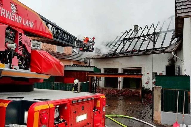 Feuerwehr löscht Brand in Haus im Lahrer Stadtteil Dinglingen