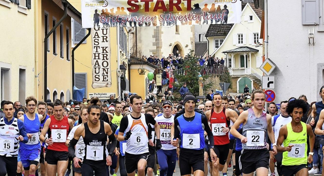 Ein Höhepunkt der regionalen Leichtath... beliebte Silvesterlauf in Britzingen   | Foto: Achim Keller