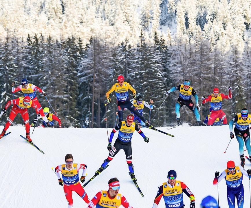 In Lenzerheide fighten die Skilangläufer um jeden Platz.     Foto: Mathias Bergeld (dpa)