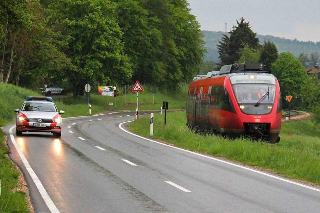 Nur ein Testlauf: ein DB-Triebwagen auf der Kandertalstrecke im  Mai  | Foto: Rolf Reißmann