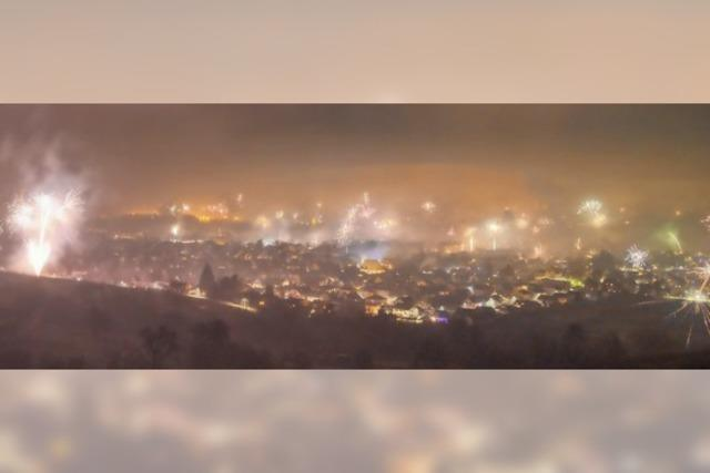 Feuerzauber im Nebeldunst