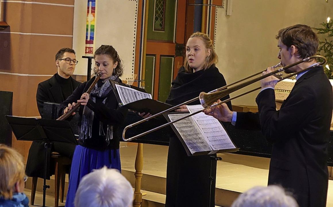 Auf eine Klangreise in die Zeit des Fr...der vollbesetzten Eichsler Kirche mit.  | Foto: Roswitha Frey