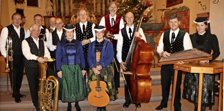 Das Brass-Quintett, die Stubenmusik un...G'schwister Wehrle aus St. Peter      Foto: Dieter Maurer
