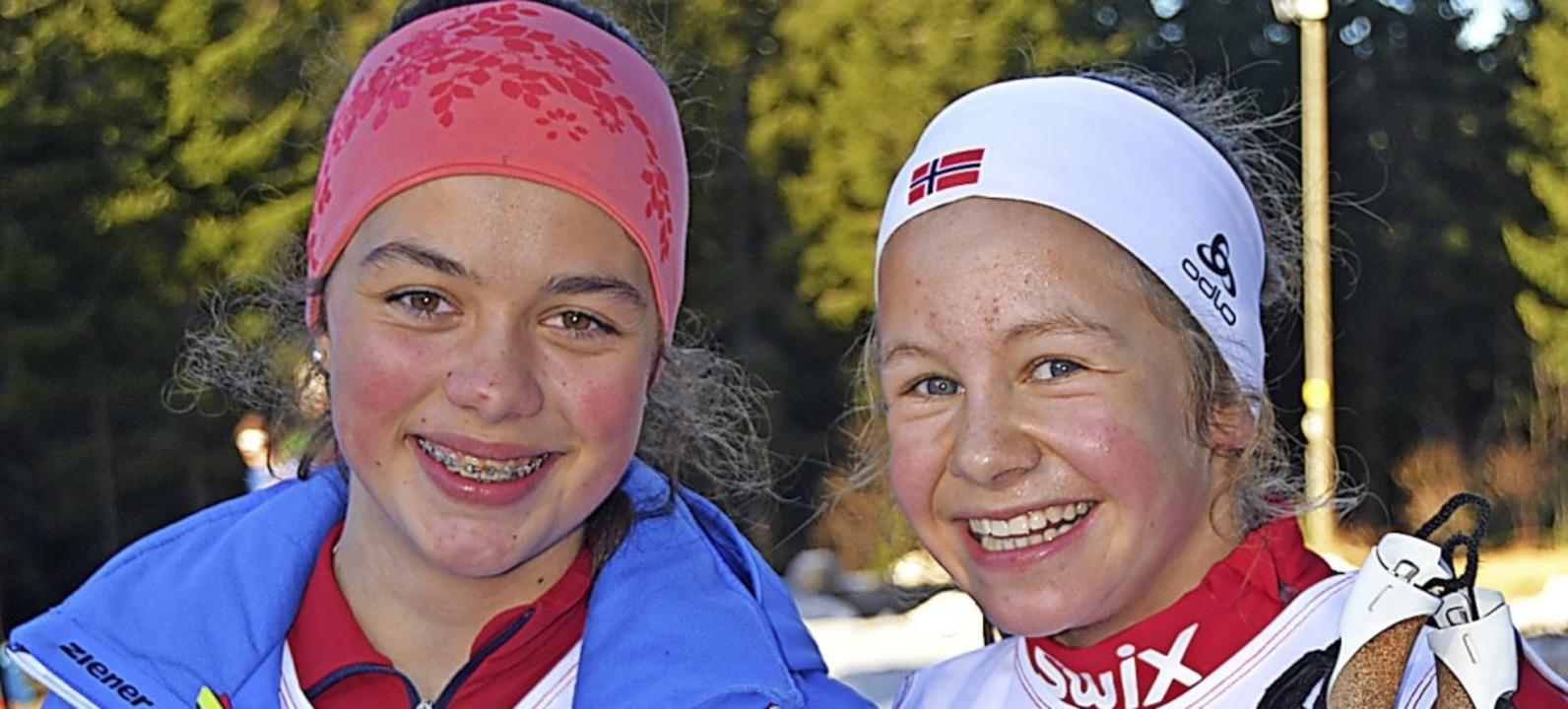 Mia Brugger (links), Dritte in der U14...über 1000 Meter bei den Mädchen lief.   | Foto: Junkel